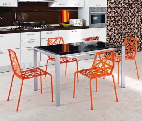 Delikli Sandalyeler