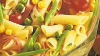 Taze Sebzeli Makarna Salatası