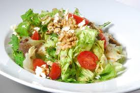 Peynirli Yeşil Salata