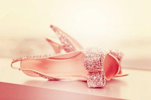 burnu açık yüksek topuklu ayakkabılar