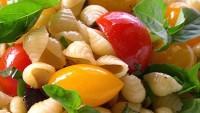 Sebzeli Makarna Salatası