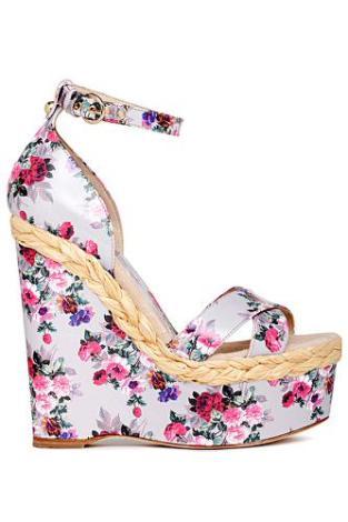 Renkli Minik Çiçekli Yazlık Dolgu Topuklu Ayakkabı Modeli