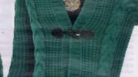 Yeşil Kapşonlu Saç Örgülü Hırka Modeli