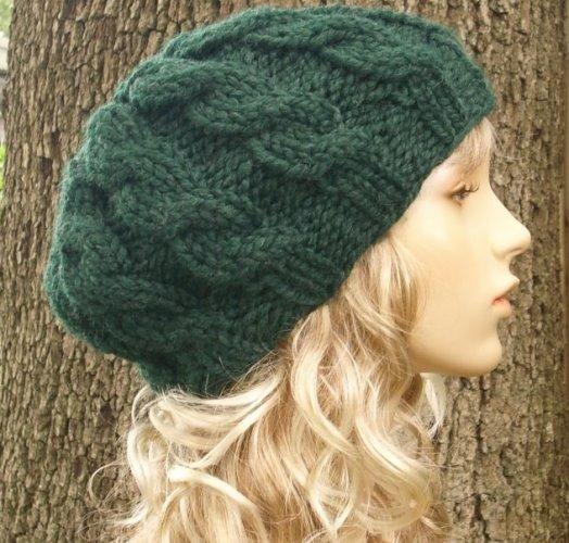 yeşil renkli saç örgülü bere modeli